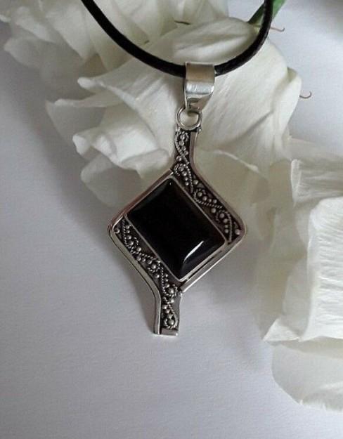 AGNES CREATIONS / Pendentif Femme Style Art Déco en argent 925 & Onyx Noir