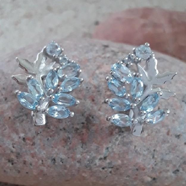 Boucles d'oreilles de créateur ornées de Topazes Bleues Argent 925