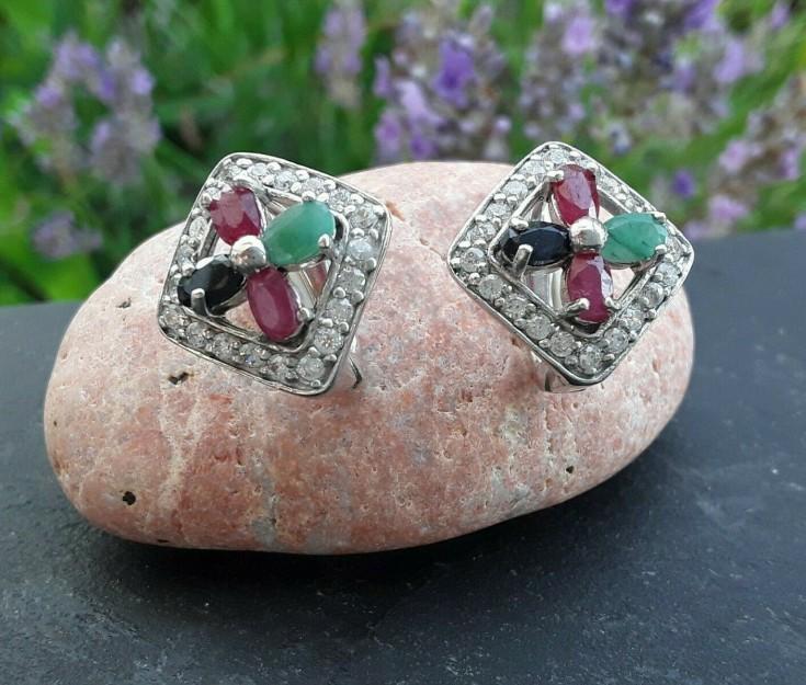 Boucles oreilles de créateur en Argent 925 ornées de Rubis, émeraude & Saphir
