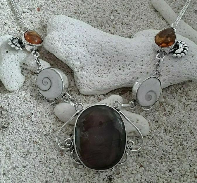 Collier Ethnique orné Labradorite oeil de chat & ambre