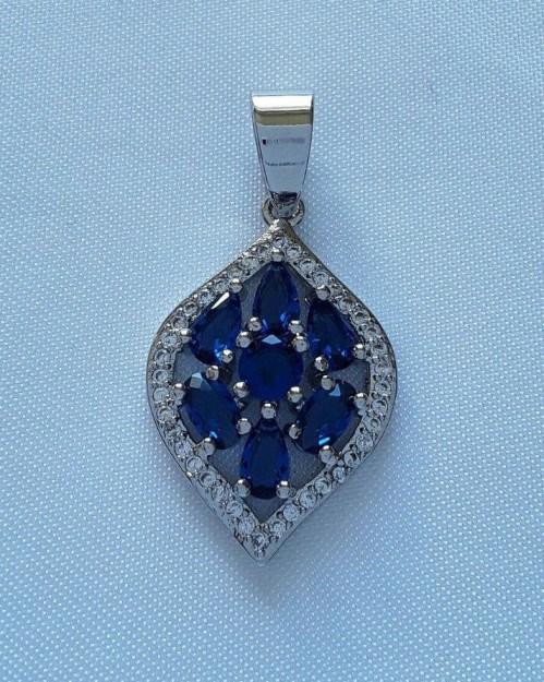 AGNES-CREATIONS / Elégant Pendentif orné Saphir Bleu Zirconium Argent 925