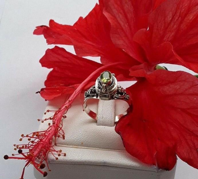 AGNES CREATIONS // BAGUE OUVRANTE POISON A SECRET ARGENT 925 & PERIDOT TAILLE 54