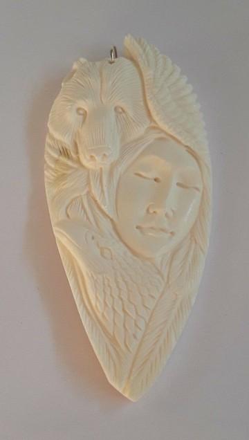 AGNES CREATIONS / PENDENTIF  INDIEN AIGLE ET OURS APACHE OS SCULPTE MAIN
