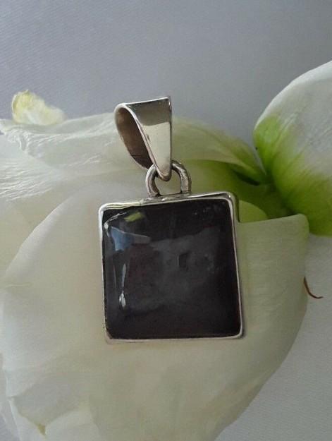 AGNES CREATIONS // Joli Pendentif Femme carré en argent 925 orné Labradorite